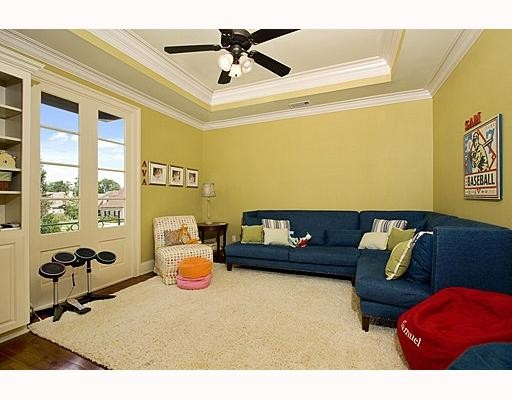 An Informal Kid's Lounge that's Comfortable for Adults, too!