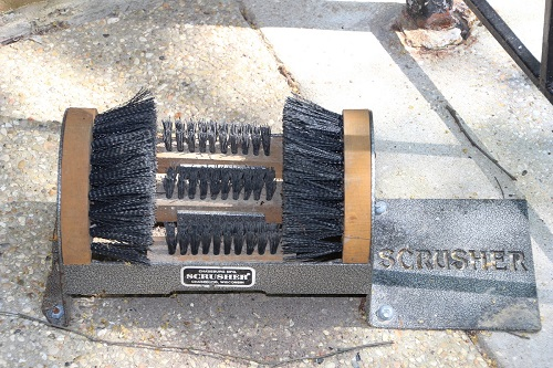 Portable Scrusher Boot Brush