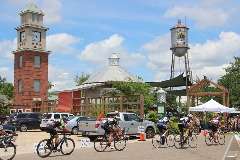 Tour de Louisiane; Cyclists; Covington Trailhead