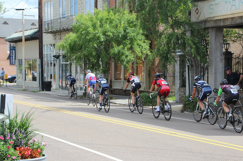 Tour de Louisiane; racing cyclists; Columbia Street; Covington