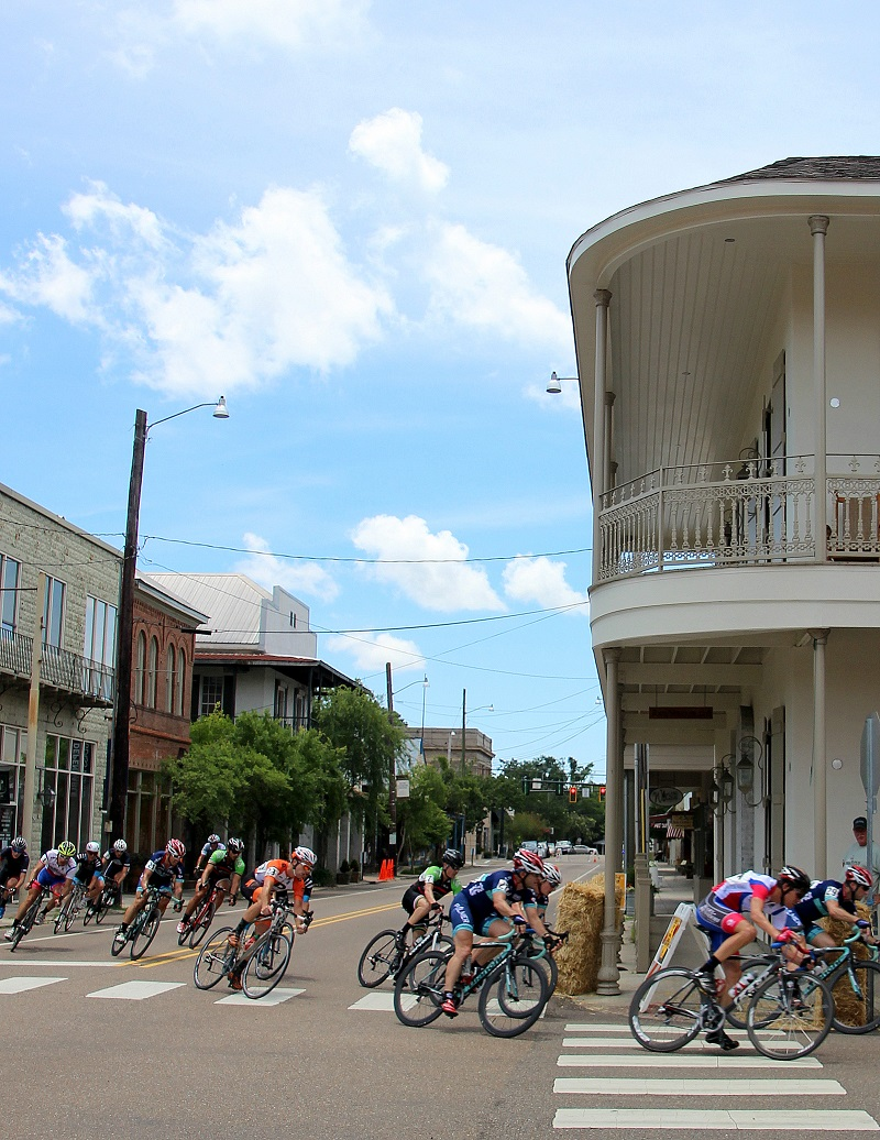 Tour de Louisiane; racing cyclists; Covington