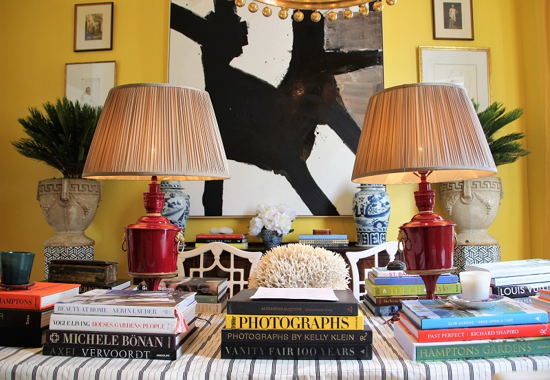 Traditional Home's Southern Style Now Showhouse in New Orleans, Dining Room by William McLure, with Black and White Abstract painting